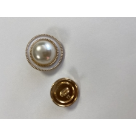 Пуговица белая, 25 мм